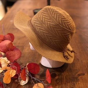 Accessories - Brown hat with braided Band